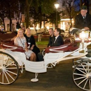 vor dem Hotel Imperial in Wien