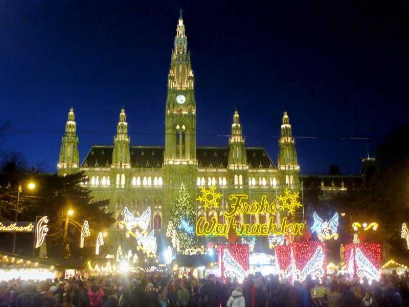 fiakerfahrt zum Christkindlmarkt in Wien